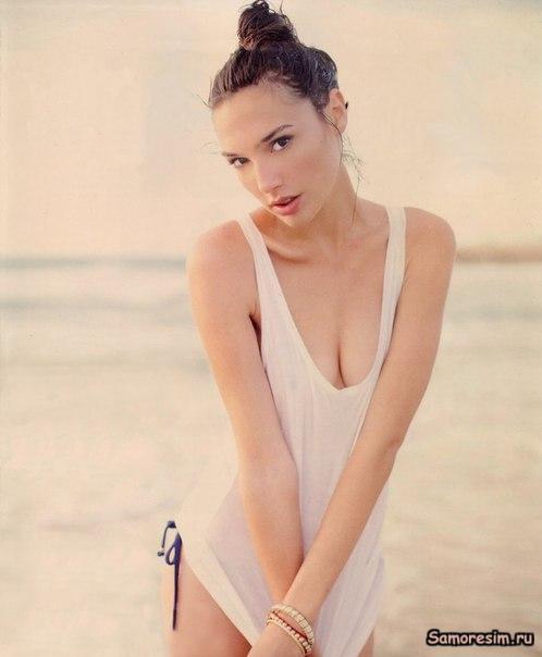 Celebrity: Gal Gadot Nude