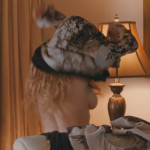 Amanda-Seyfried-Chloe-2_4-650x365