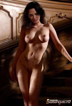 Asia Argento Photo Naked Shaving Pussy 35
