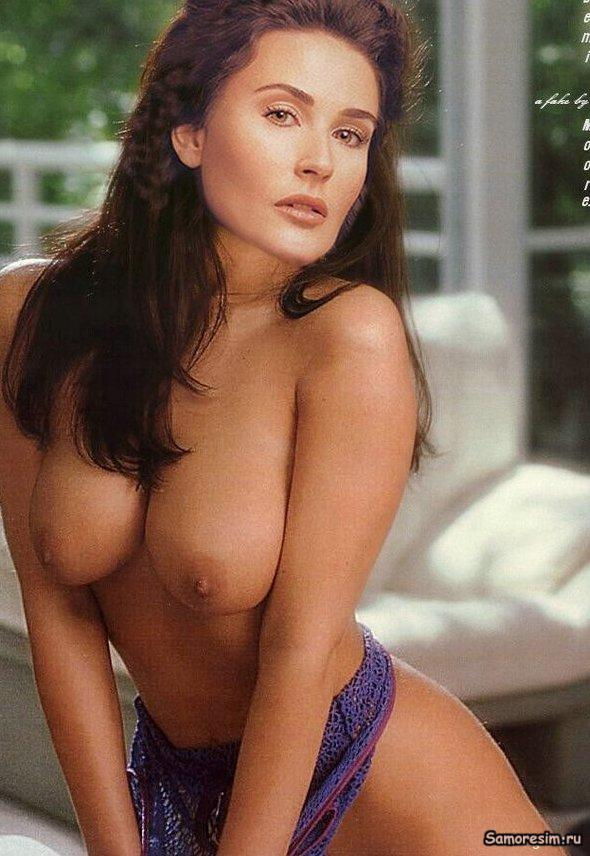 Demi Moore Nude Boobs in